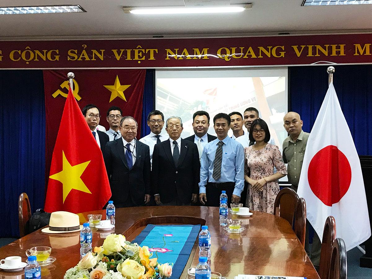 ホーチミン市でベトナムと連携